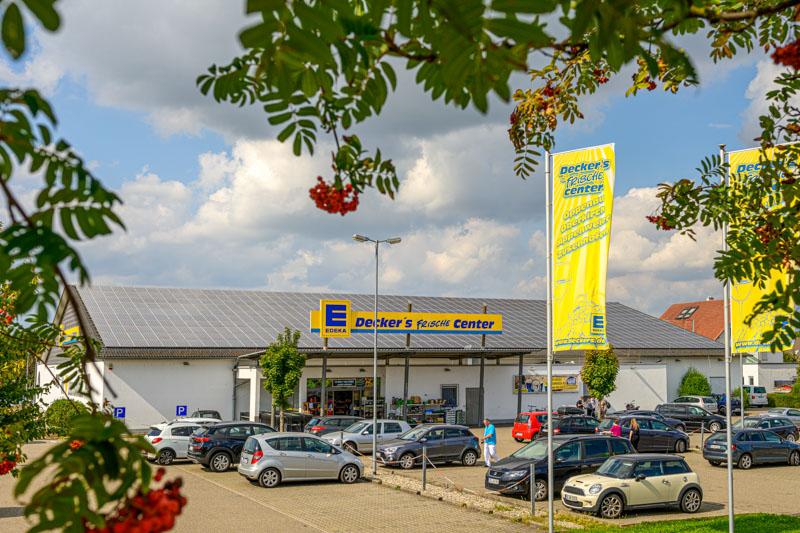 Eingangsbereich und Parkplatz – Edeka Decker Appenweier