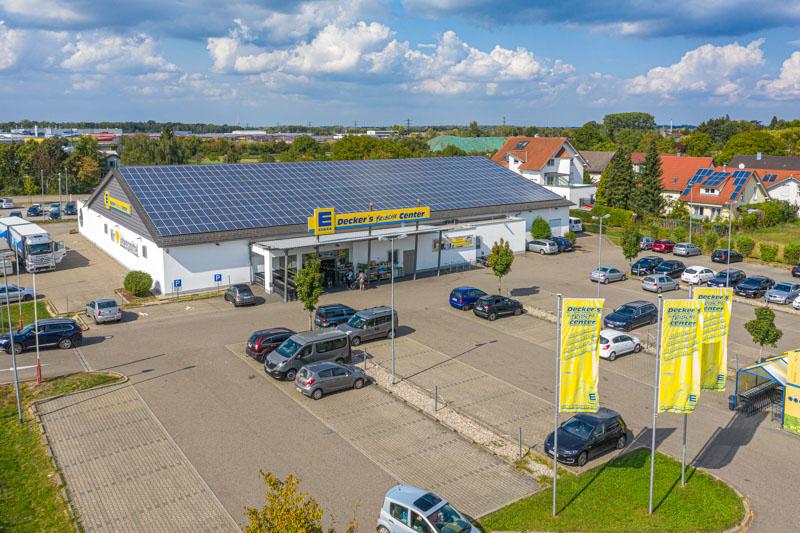 Luftaufnahme Eingangsbereich und Parkplatz – Edeka Decker Appenweier