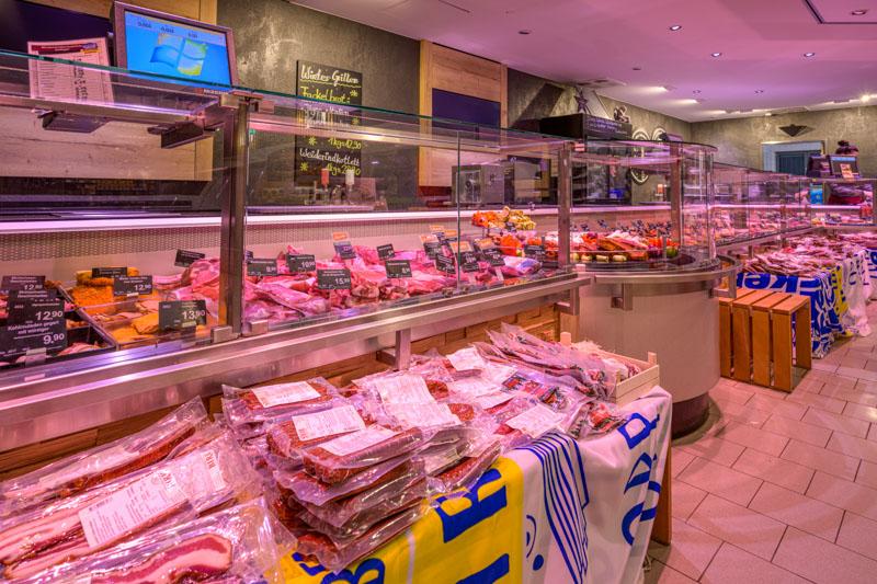 Sehr große Vielfalt an Fisch und Fleisch – Edeka Decker Oberkirch