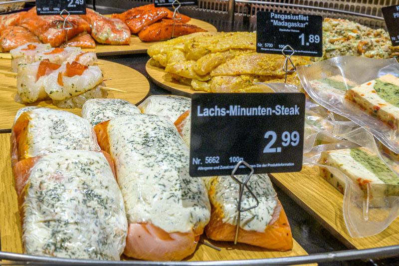 Sehr große Vielfalt an Fisch – Edeka Decker Oberkirch