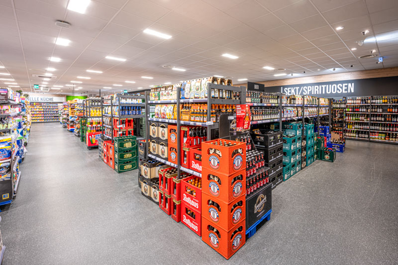 Getränke und Innenbereich – Edeka Markt Urloffen