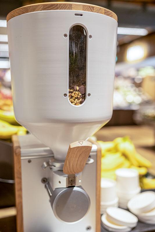 supernutural – leckere Nusscrememaschine. Nachhaltig und lecker. Im Detail Ansicht von vorne